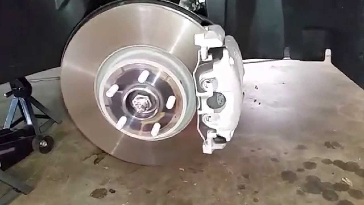 2013 2016 ford escape suv checking front brakes rotor bracket caliper pads youtube. Black Bedroom Furniture Sets. Home Design Ideas