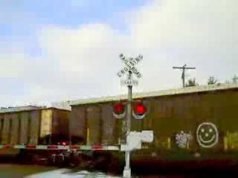 BNSF 8837 East Coke Train Meets BNSF 4632...