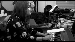 This Episode sees Idol participant and music teacher Sara Lindberg ...