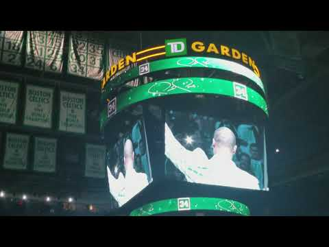 Paul Pierce lifts his No. 34 into the rafters at TD Garden #Celtics