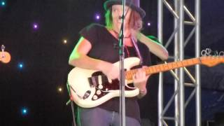 Hussy Hicks 2016-03-25 Drummer Boy at Byron Bay Bluesfest