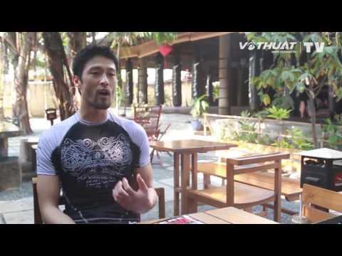 Johnny Trí Nguyễn nói chuyện MMA & điện ảnh