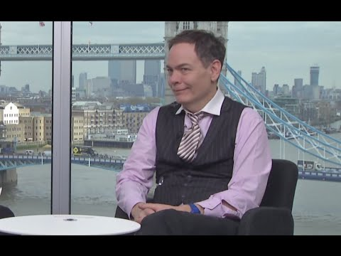 Keiser Report: Secrets of TTIP & TPP (E905)