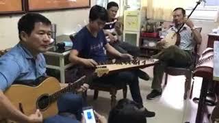 (Kỷ niệm)Vọng kim lang+dạ cổ hoài lang: NSUT Văn Môn guitar-NSND Thanh Hãi kìm -Nguyễn Sự tranh