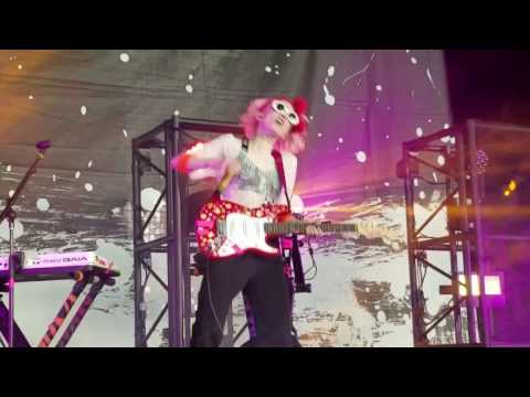 Grimes - Flesh Without Blood - Live - The Woodlands TX - May 17, 2016