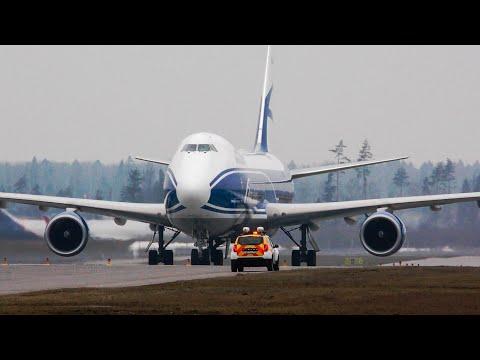 Посадка крупным планом Boeing 747-8F AirBridgeCargo Шереметьево (24R/6L)