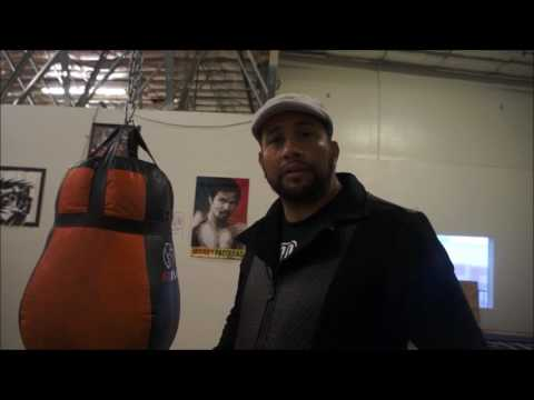 Boxing Trainer gives DEEP EXPLANATION on WHY Floyd Mayweather is so hard to hit