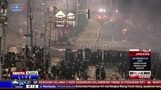 Beberapa Massa Nekat Maju dan Lempar Batu ke Polisi thumbnail