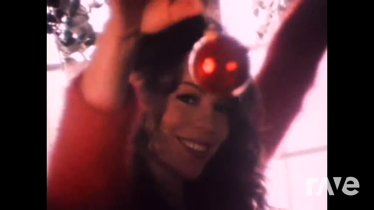 Jolly I Holly For Christmas Is You - Michael Bublé & Mariah Carey | RaveDj - YouTube
