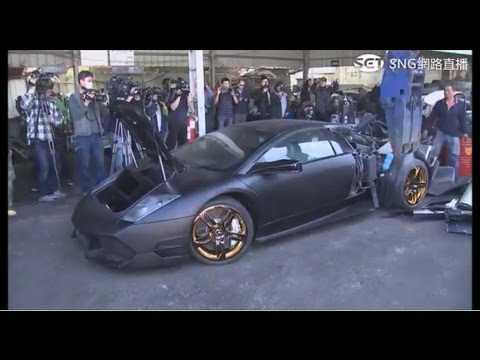Lamborghini Murcielago getting destroyed on camera