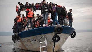 Путь беженцев из Турции в Грецию: как работают контрабандисты(Площадью контрабандистов прозвали в народе парк в центре Стамбула, в квартале Аксарай. Именно здесь встреч..., 2016-03-07T19:28:42.000Z)