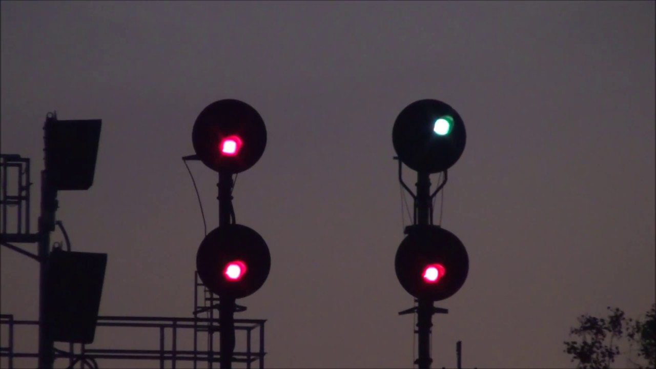 Signal lights go out after train goes by youtube signal lights go out after train goes by arubaitofo Image collections