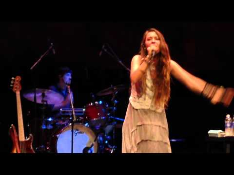 """How Can It Be"" live by Lauren Daigle"