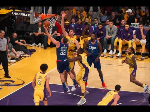 Blake Griffin, DeAndre Jordan Dominate in Clippers Win Over the Lakers | October 19, 2017