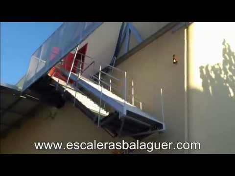 Escalera en movimiento basculante o hidr ulica youtube for Basculante youtube
