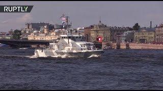 Военно-морская мощь: в Санкт-Петербурге прошла генеральная репетиция парада ко Дню ВМФ