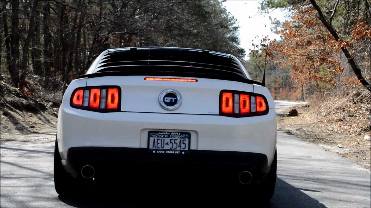 Axle Back Exhaust >> 2010 Mustang GT Flowmaster American Thunder Exhaust - YouTube
