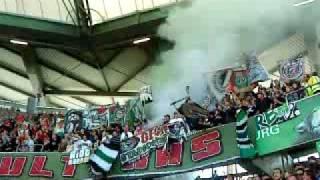 Wolfsburg gegen Hannover 96 - rauchbombe