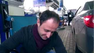 Бензин в Москве разбавляют?!(, 2012-10-31T19:27:05.000Z)