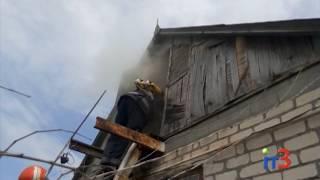 В понедельник пожарные тушили дом в Бурлачьей Балке