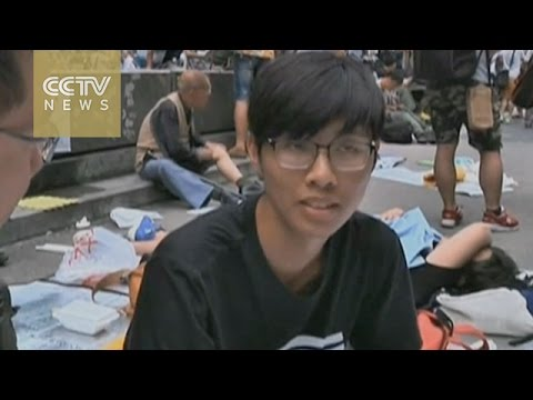 Street interview: HK protesters ignore court order
