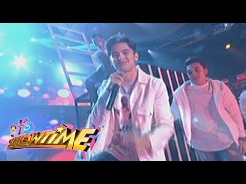 It's Showtime: James Reid performs 'Cool Down'