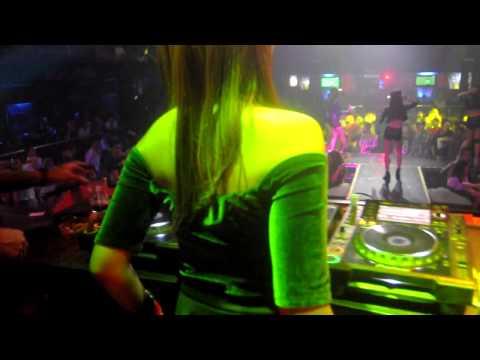 DJ DEVIGOLD at BOSHE JOGJA