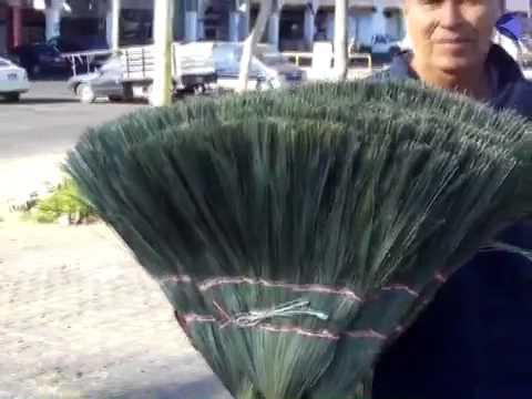 Abunda la venta de escobas de palma en colima youtube - Escobas de palma ...