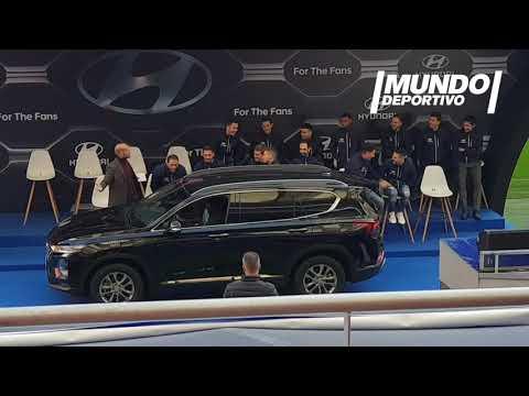 Thomas la lía en la entrega de coches del Atlético de Madrid y lo estrella contra una valla publicitaria