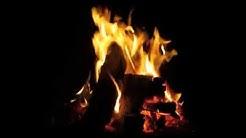 Kaminfeuer mit romantische musik