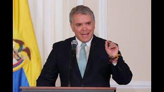 """""""Lo resumo en una palabra: honorabilidad"""", Duque defiende al expresidente Uribe"""