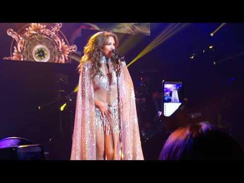 Ver Video de Thalia Thalia Latina Tour New Jersey USA abertura