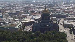 President Putin leads Navy Day celebrations in St. Petersburg [STREAMED LIVE]