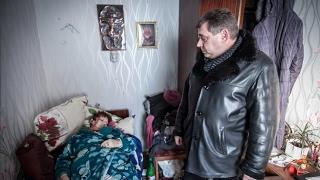 Трагедия: пожилая мать погибла от осколочного ранения в ходе обстрела (31 янв. 2017)