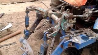 Работа навески на  тракторе т 16