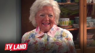 Hot in Cleveland: Betty White is an Oompa Loompa