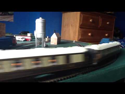 "Hornby A4 ""Mallard"" and Pullman coaches"
