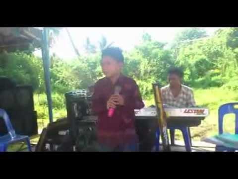 Di Ambang Sore song by Widi - Langkat