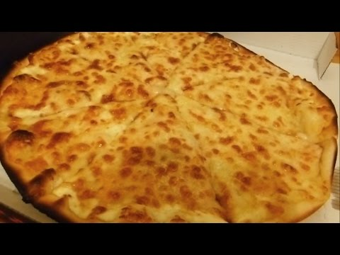 Norwegian Pizza - Eating ASMR [French/English]