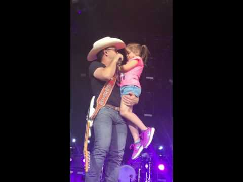 Justin Moore and Daughter on Fathers Day Till My Last Day Jiffy Lube 6/19/16