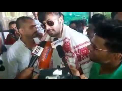 Shakib Khan talking with Indian media