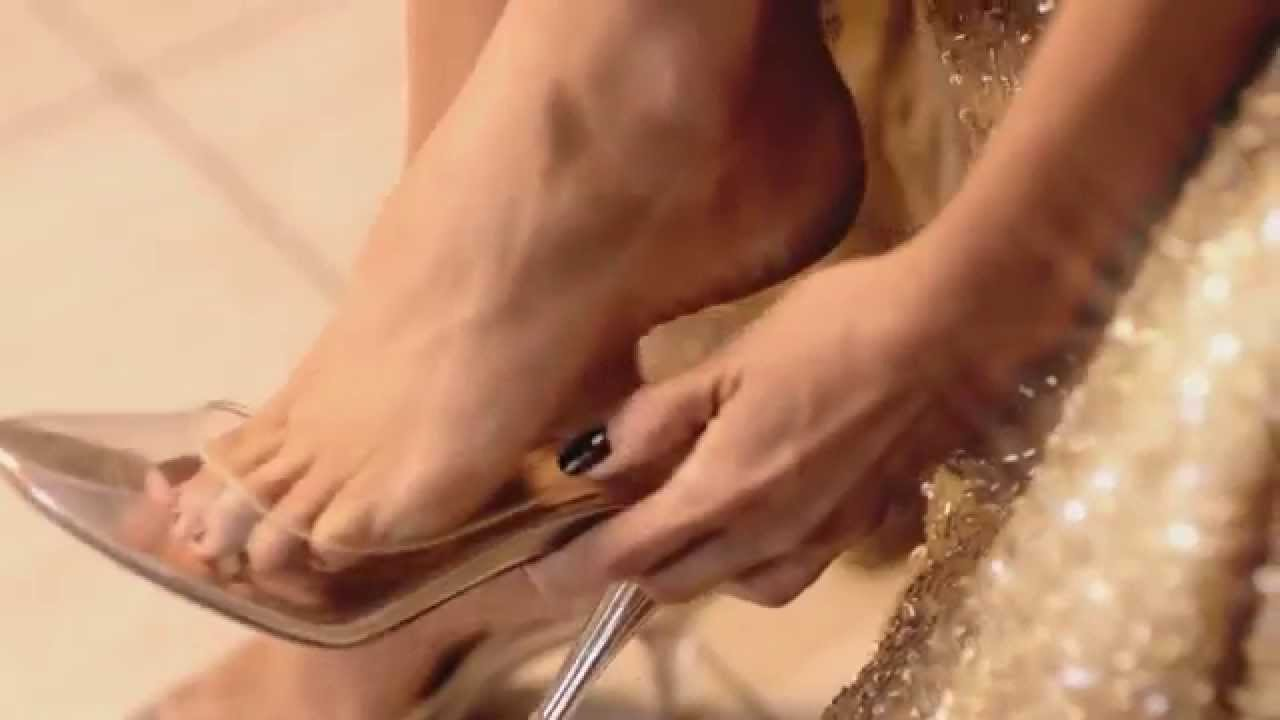 Demi moore feet