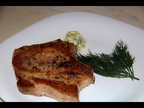 Корейка на кости Ингредиенты свиная корейка, соль, соус