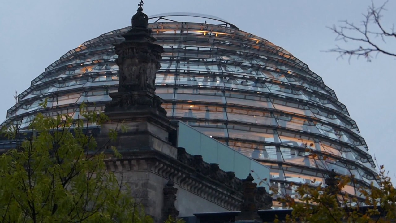 glas dome reichstag building berlin youtube. Black Bedroom Furniture Sets. Home Design Ideas