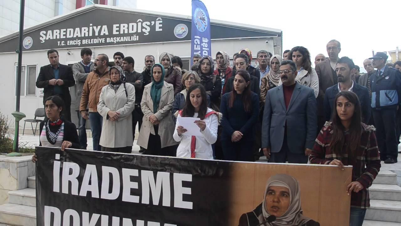 Erciş Belediyesi tutuklamaları protesto etti