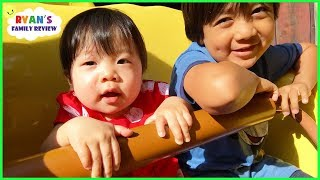 Twin Babies first time at Disney and going on Amusement Rides