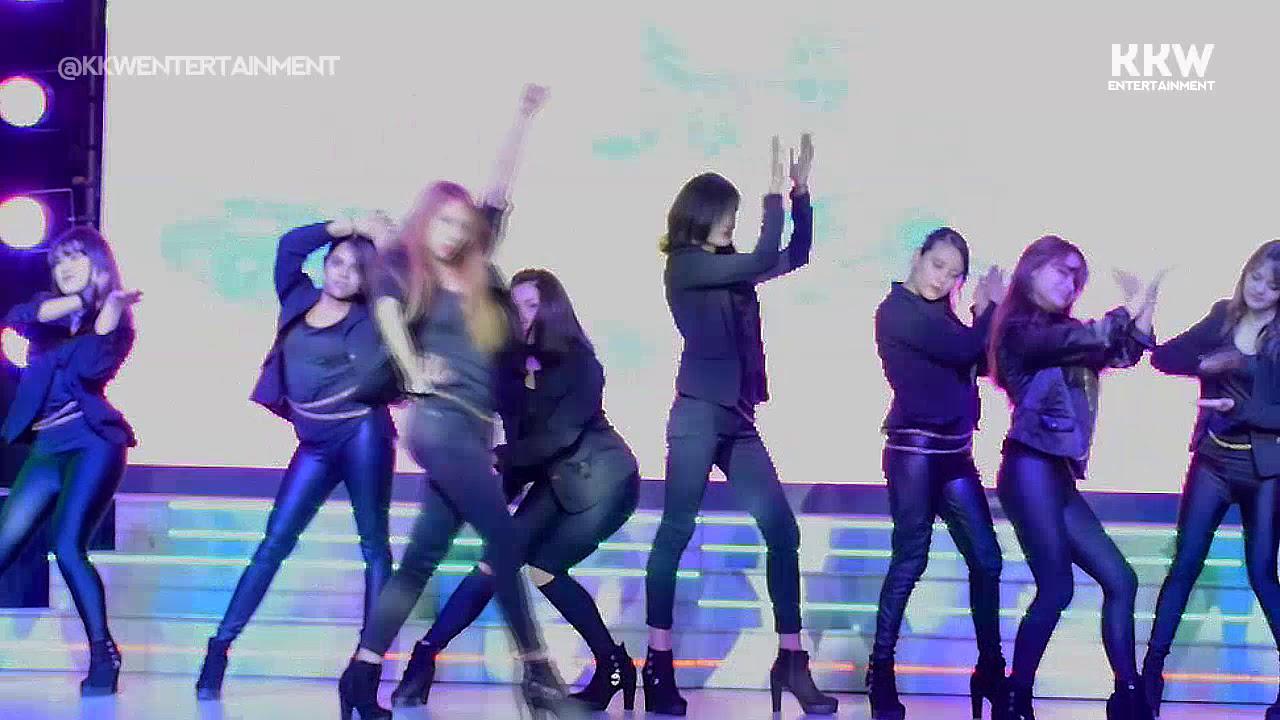 Sexy girl run dance