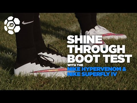 Freestyle in the Nike Elastico Superfly