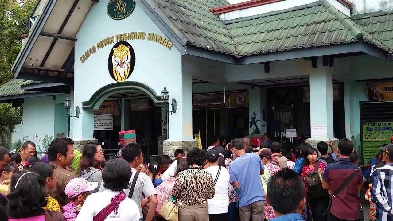Pintu Masuk Taman Hewan Pematang Siantar, Sumatera Utara