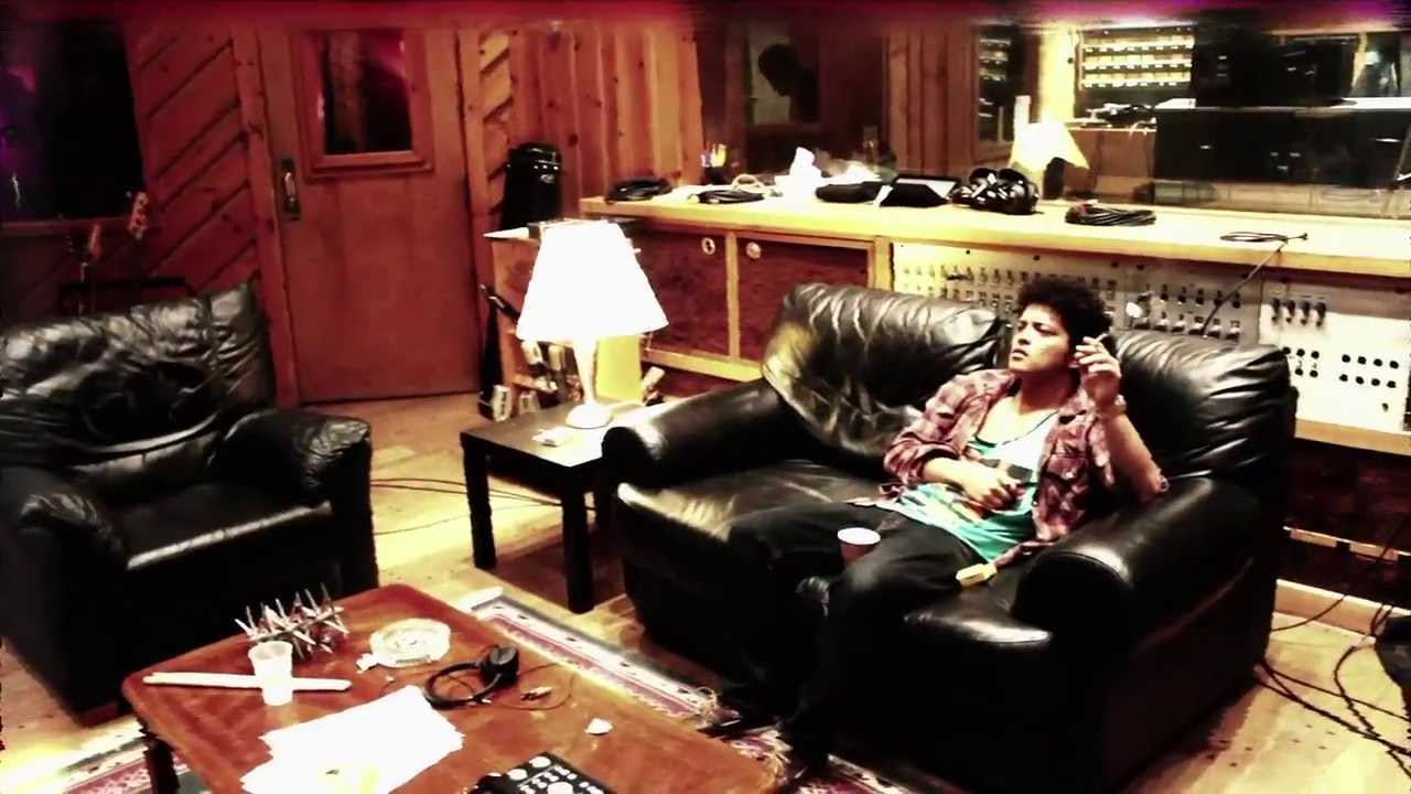 Download Bruno Mars - Unorthodox Jukebox: The Making Of The Album (Official Video)